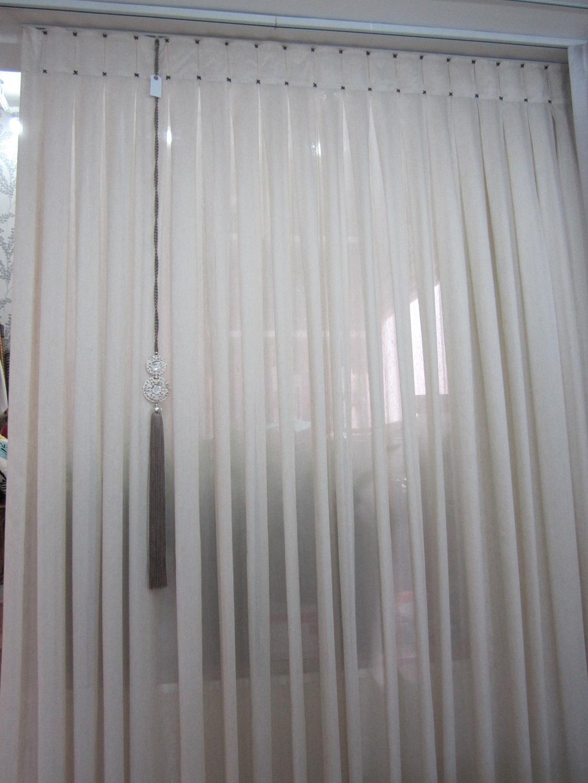 Cortinas vivenda decora es em tecidos for Ganchos para cortinas de tela